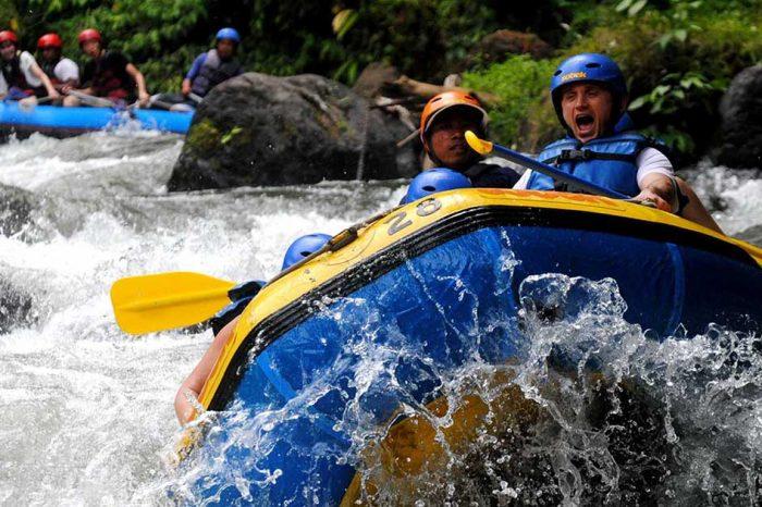 Tour de Besakih + Rafting (toute la journée)